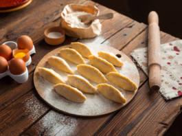Przepis na ciasto na pierogi - jak zrobić idealne pierogi?