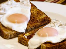 Jak ugotować jajka na miękko?