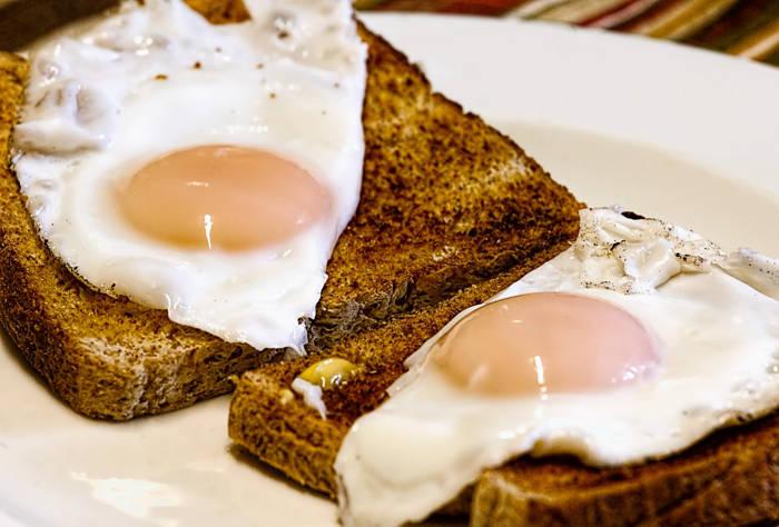 Jak Ugotowac Jajka Na Miekko Przepisy Kulinarne Ugotujka Pl